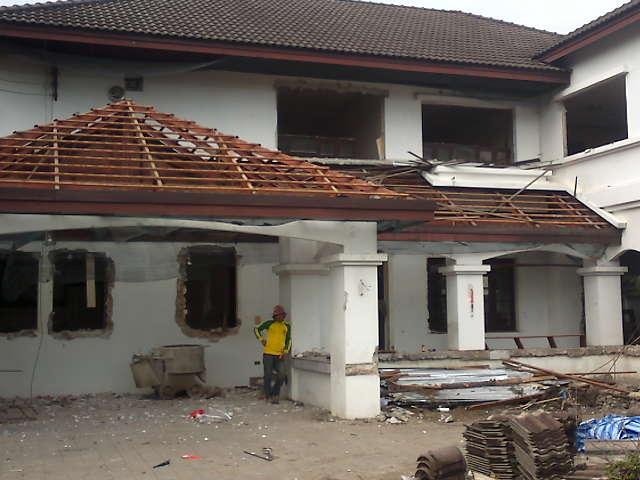 ร้านรุ่งนำชัยค้าไม้ รับซื้อบ้านเก่า ไม้เก่า โครงสร้างทุกชนิด รับทุบบ้าน อาคารตึก โดยทีมงานมืออาชีพ